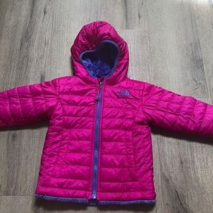 Girls 2t reversible north face jacket